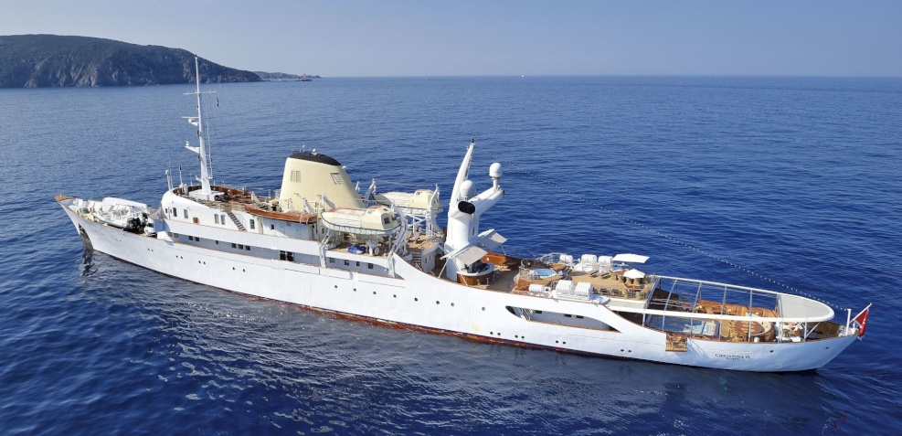History - Yacht Charter - Royal yacht brokers