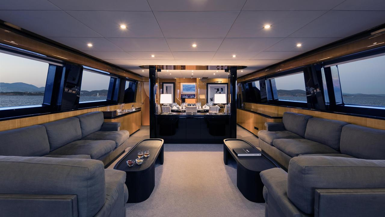 Can't Remember - Luxury Yacht charter - Living Room
