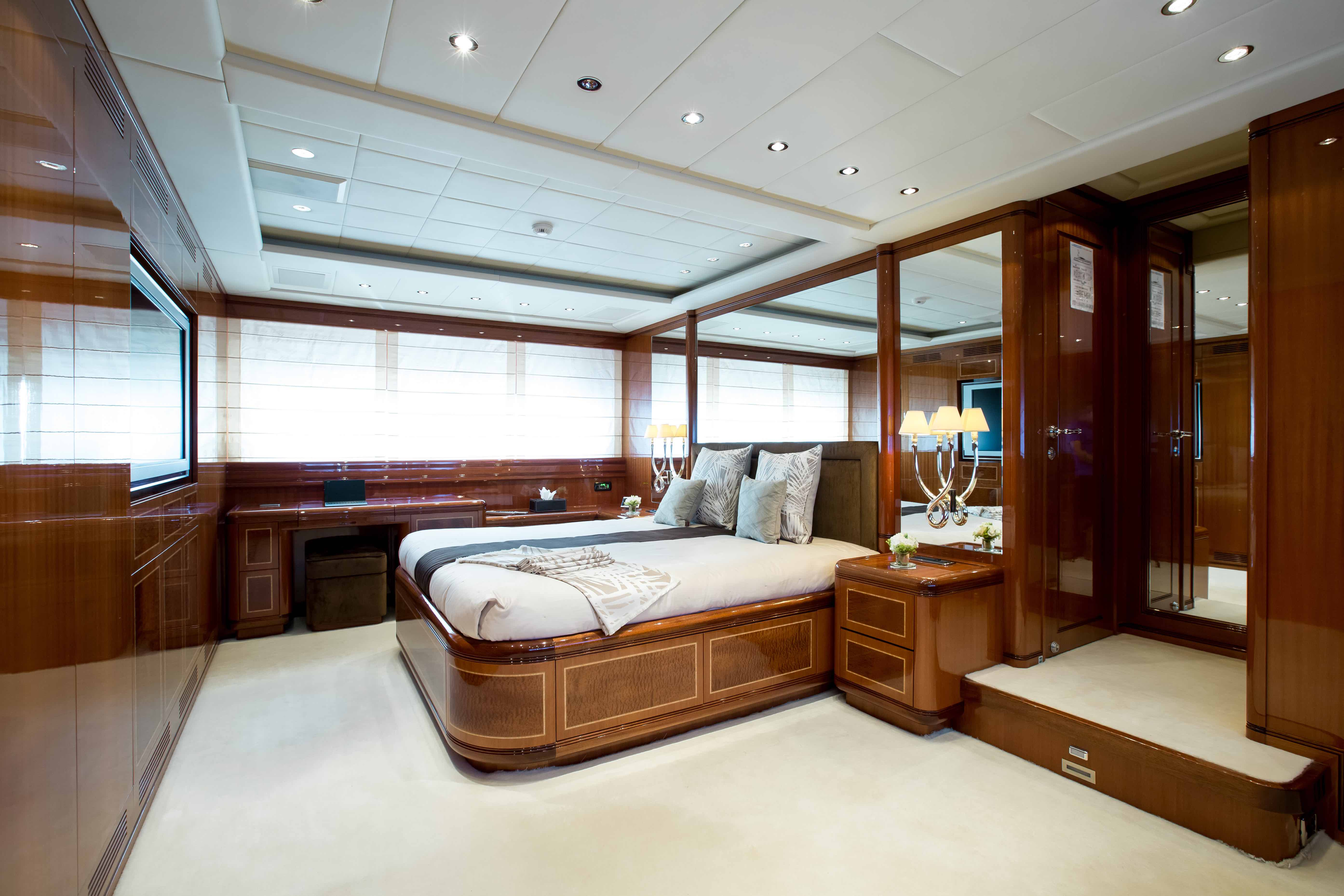 Hercules - Yacht for charter - bedroom